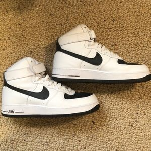 Nike iD Air Force one black and white